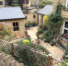 Cotswold Stone Garage Development in Chipping Norton